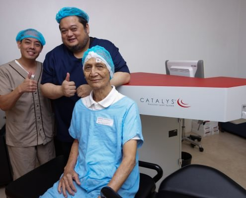 Melquiades Marquez with Dr. Dinglasan and Dr. Dela Cruz at Shinagawa Lasik & Aesthetics