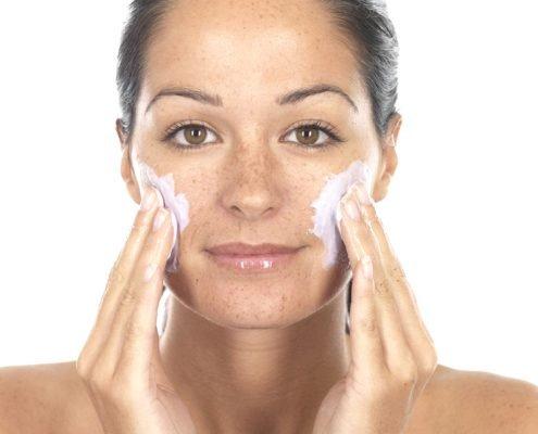Cleansing of Face   Shinagawa Aesthetics Blog
