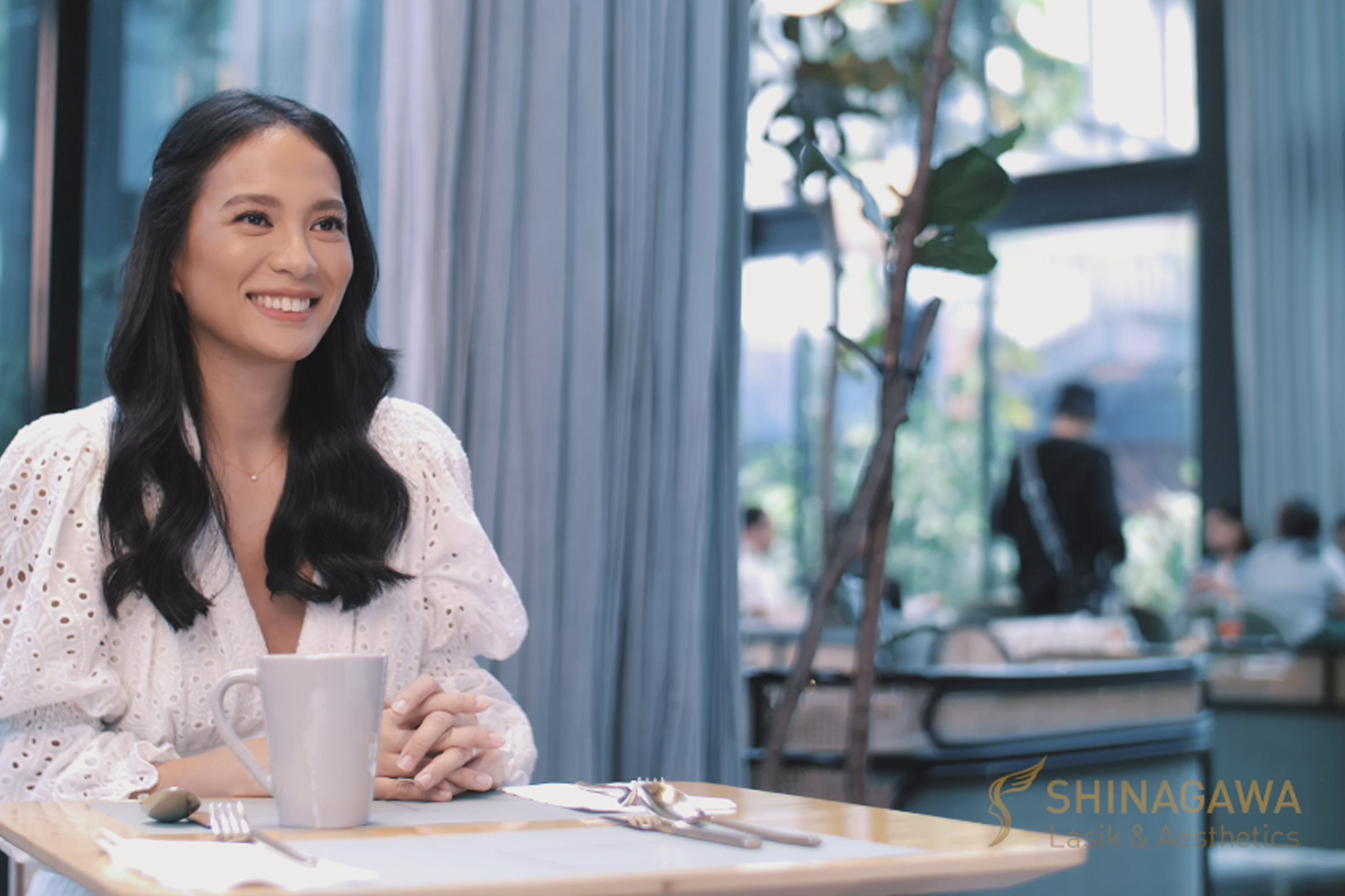 Isabelle Daza on Her LASIK Journey | Shinagawa Feature Story